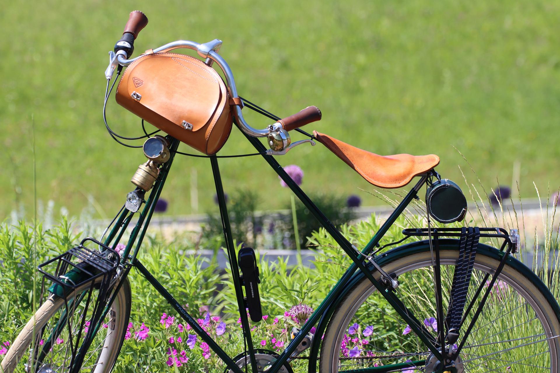 Bike_vintage_mit_Gepäck